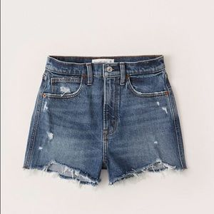 Abercrombie Ultra High Rise Mom Jean Shorts 27 4